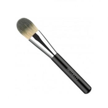 Кисть для тональной основы Make up Brush Premium Quality Artdeco