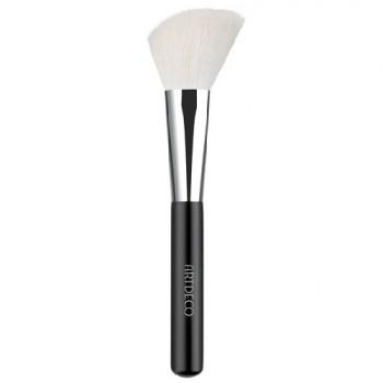 Кисть для румян Blusher Brush Premium Quality Artdeco